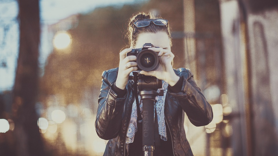 How a Photographer Can Use Digital Marketing to Make Some Good Number